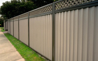 Comparing Wood Fences and Colorbond Fencing